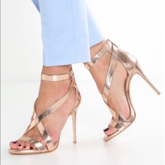 e2143dfc0119 Vince Camuto Devin heels in Rose Gold. M 5b5507f4c9bf502c38ce2cf3